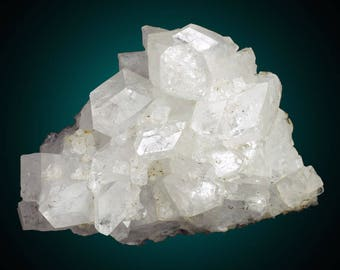 Apophyllite; Kings Valley, Benton Co., Oregon, USA  --- minerals and crystals