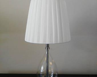 PLEATED SHADE LAMP