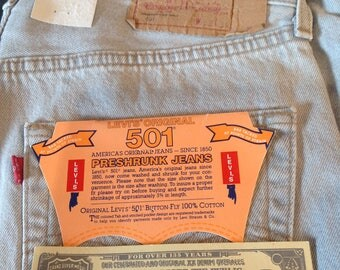 BNWT Rare Classic Levi's 501: Retro 90s Light Grey/Stonewash Jeans . 100% cotton. 32(W) 34 (L)
