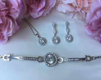 Wedding accessories, bridal accessories, bridal jewellery set, wedding jewellery set, crystal jewellery