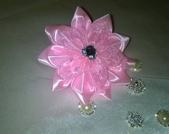 Flower hair clip made kanzashi way in satin ribbon rose and pink organza and pink pistils