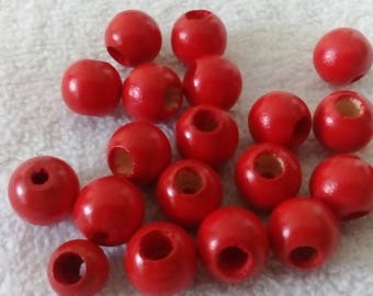 Set of 20 Red wooden beads, 12mm
