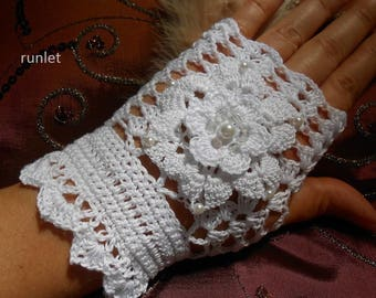 white fingerless gloves summer