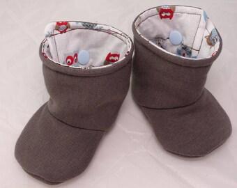 Bottes  bébé garçon en tissus douillets modele Hibou