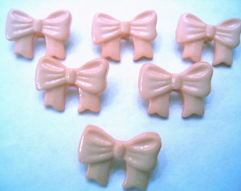 LOT 6 buttons: bow tie peach 16mm