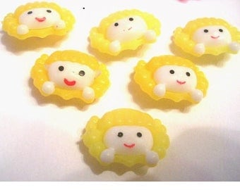 LOT 6 buttons: 22mm yellow girl