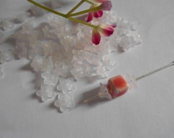 set of 50 bead caps flower 5 Petals white