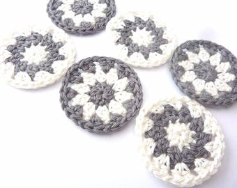 Grey round pieces and white crochet and cotton - set of 6