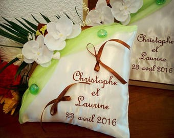 ring pillow with the urn and the book green chocolate gold - zen theme wedding