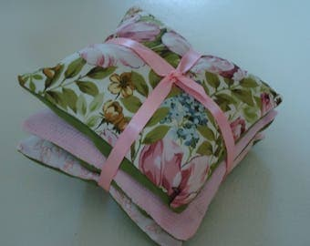 3 PILLOWS OF LAVENDER TIES WITH A RIBBON SATIN ROSE