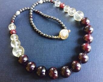 Handmade GARNET+CITRINE gemstone necklace,made in France/citrine necklace,garnet necklace,stone thérapy,chrismas present,granat halskette