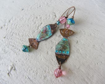 Earrings dangle enameled copper fish beads Bohemian glass, turquoise and pink, long dangle earrings original and