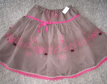 Linen SKIRT embroidered very nice quality