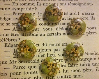 set of 6 buttons wood: shape flowers 17mm round