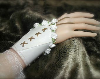 Pair of Bracelets Leather tooled elven medieval fairy Fantasy Bridal Gloves