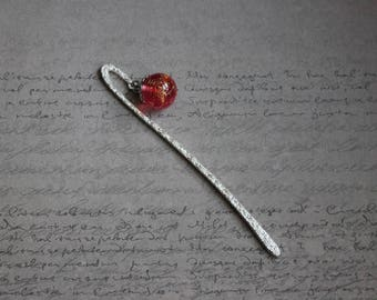 Bookmark metal silver 12 cm, sphere 1.8 cm resin inclusion of Red Angelina fiber