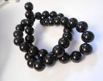 1 strand of 36 beads round 10 mm black agate