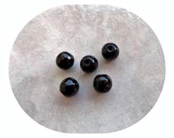 Black Agate faceted 8 mm - gemstone beads. (x 5)