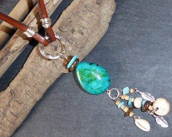 Long necklace ethnic leather and stones and shell charms, turquoise, green, Brown, Indian style