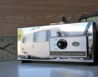 Sleek Thinline Futuristic Mid Century Toaster