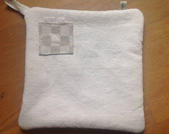 Pot holder/oven Mitt made of fabric samples