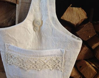 Small bag ivory and white vintage fabric and lace