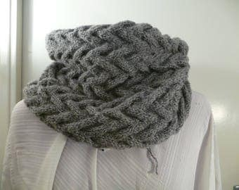 closed scarf gray acrylic handmade knit snood