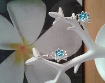 Earrings small blue bouquet