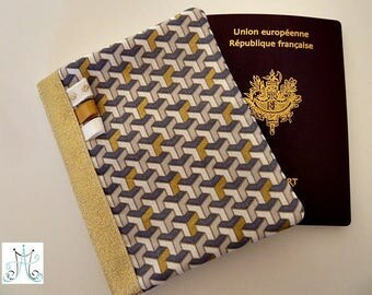 Protects Passport Vaserely, gold geometric pattern