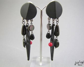 """black tiwara"" clip earrings, Horn, coral 2732"