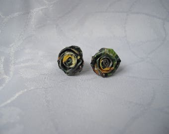 """Simple Stud Earrings """"cabbage"""" paper"""