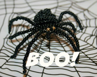 Giant spider for Halloween in seed beads