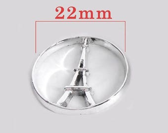 Eiffel Tower floating 22 mm disc charms. Silver tone.