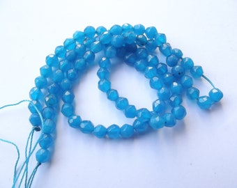 86 round faceted agate dyed blue 4 mm CHEBAR 501