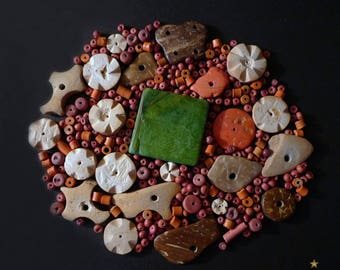 285 wooden beads, coconut and ceramics in various shapes