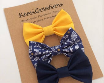 Baby, Toddler, Girls Fabric Hairbow Set, Hair clip set, Classic Bow set - Small - Navy Blue/Yellow Floral