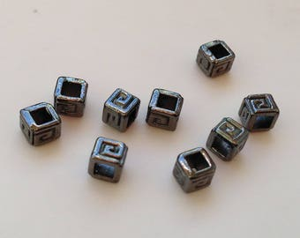 lot 25 pearls metal cubes 5mm black brass /29/