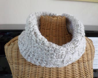 snood scarf made with yarn in beige and Ecru