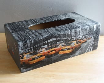 Box with tissue - New York City and yellow cabs