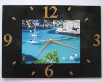 Clock / wall clock in Slate: creeks, sea