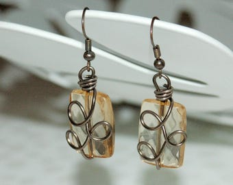 Aluminum wire and bead earrings with facets