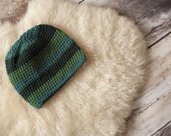 Wool Cap knitting technique, with green