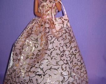 Pretty dress long pink and gold background (B124)