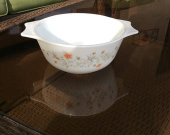England Pyrex Bowl, Floral Pyrex dish, England Pyrex casserole, vintage kitchen gift, vtg housewarming gift, Mom gift, bridal shower gift,