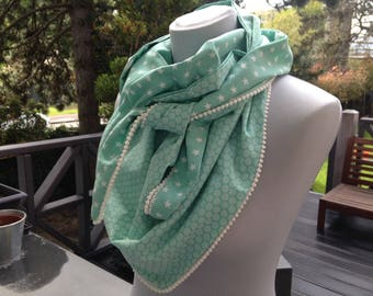 Large triangle scarf/scarf