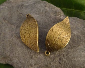 2 wavy leaf charms bronze 30mm