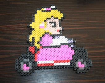 Pearls Hama Mario Kart (Princess Peach)