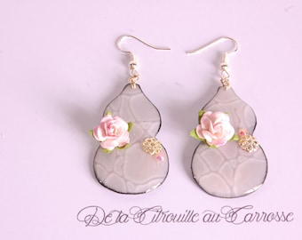 Calabash, light gray and pale pink earrings