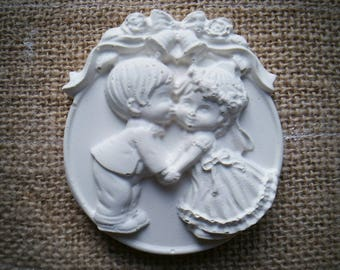 Large Medallion couple of rough plaster