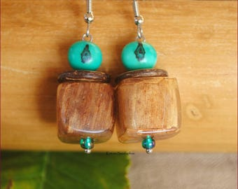 Earrings emerald green and beige